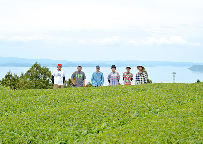 11 TSUNAGU-SONOGI-TEA-FARMERS